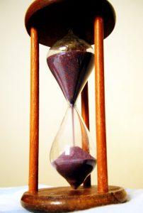 hourglass-1422358-1279x1897